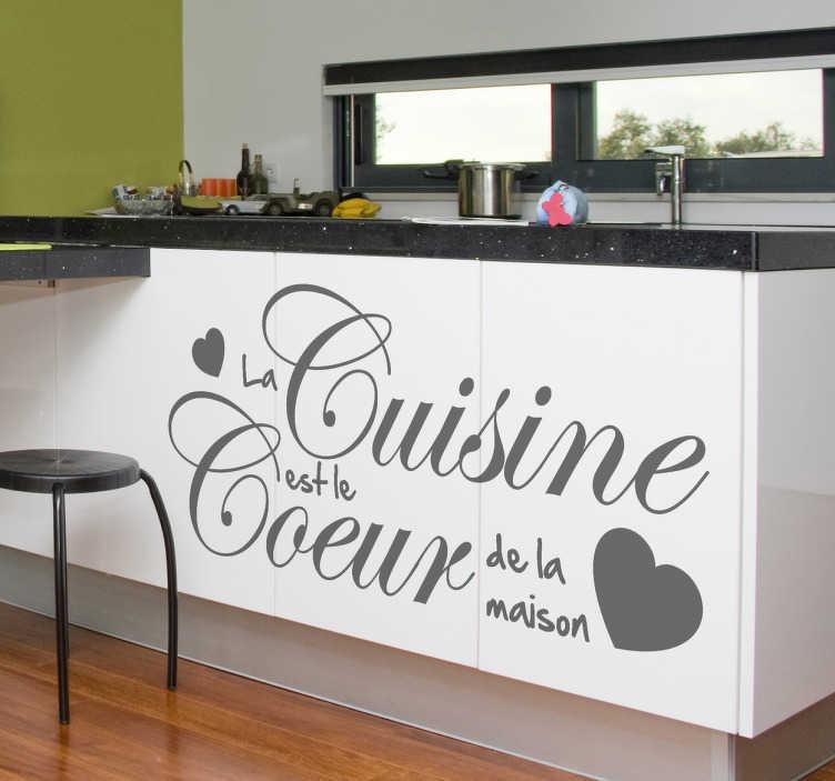 """TenStickers. Sticker décoratif coeur de la maison. Embellissez-là avec ce sticker monochrome qui indique que """"la cuisine est le coeur de la maison"""" avec un joli design."""