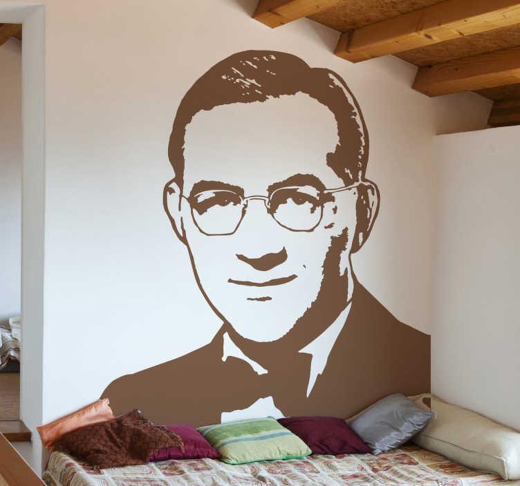 TenStickers. Naklejka dekoracyjna Benny Goodman portret. Naklejka przedstawiająca portret Bennyego Goodmana, wybitnego muzyka swingowego i jazzowego. Nowe promocje w naszym newsletterze!