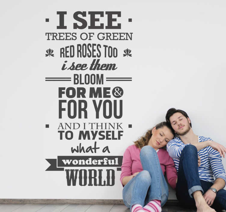 TENSTICKERS. 素晴らしい世界の壁のステッカー. ルイス・アームストロングの曲「有名な世界」からの有名な歌詞の歌詞の壁のステッカー。あなたの家やオフィスでどんな部屋にでも飾る素晴らしい歌詞のデカール。陽気で楽しい、生き生きとした雰囲気を作り出して、あなたに動機を与え、何があっても幸せになれるようにします。