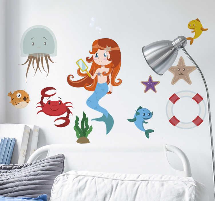 TenStickers. Naklejki morskie inspiracje. Naklejki dekoracyjne przedstawiające set różnych elementów nawiązujących do morskiego klimatu: kotwica, lornetka, koło ratunkowe i inne.