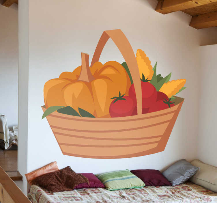 TenStickers. Vinil decorativo comida ecológica. Vinil decorativo com uma cesta cheia de hortaliças e produtos da horta, como é o caso da abóbora, tomate e milho.