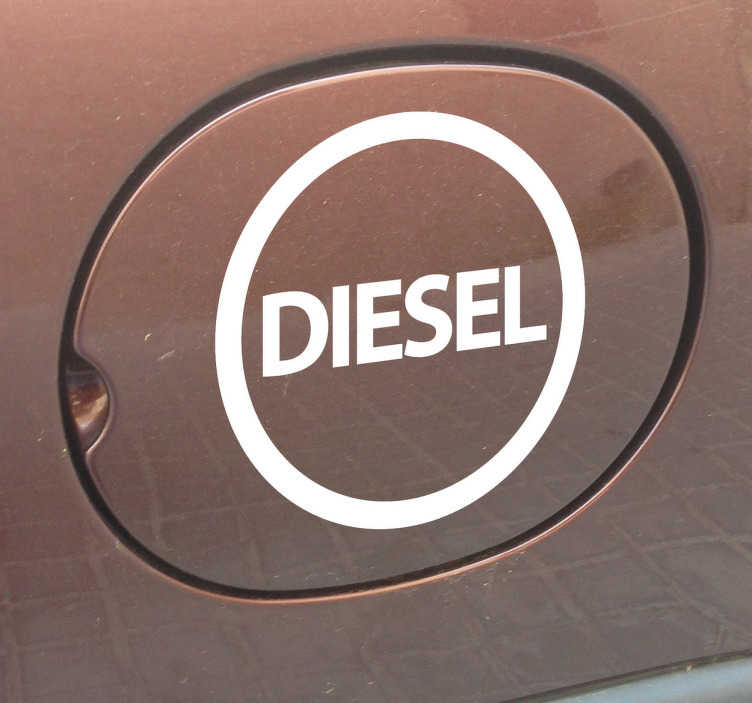 """TenStickers. Sticker voiture essence diesel. Stickers avec l'inscription """"Diesel"""" à apposer sur le réservoir à essence de votre voiture.Pour montrer à tous quelle genre de voiture vous conduisez."""