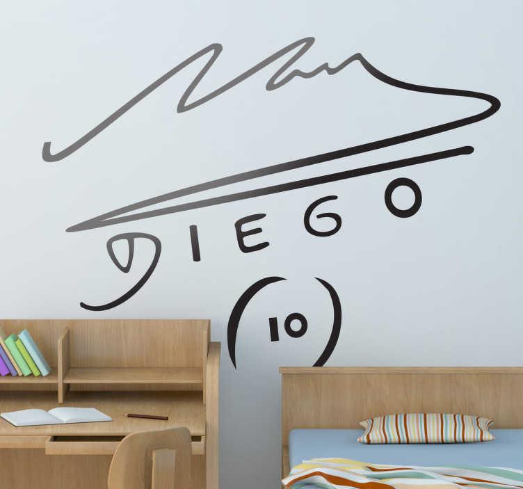 TenVinilo. Vinilo decorativo firma Maradona. Si eres fan del mejor jugador de todos los tiempos hazte con este adhesivo especial. Vinilos de fútbol para aficionados al fútbol de Argentina.