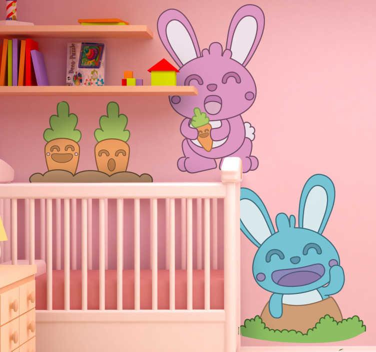 TenStickers. Sticker kinderkamer set konijnen. Een leuke muursticker set met allerlei ontwerpen gerelateerd aan konijnen. Een wandsticker set met hierin de afbeelding van 2 konijnen en 2 wortels.