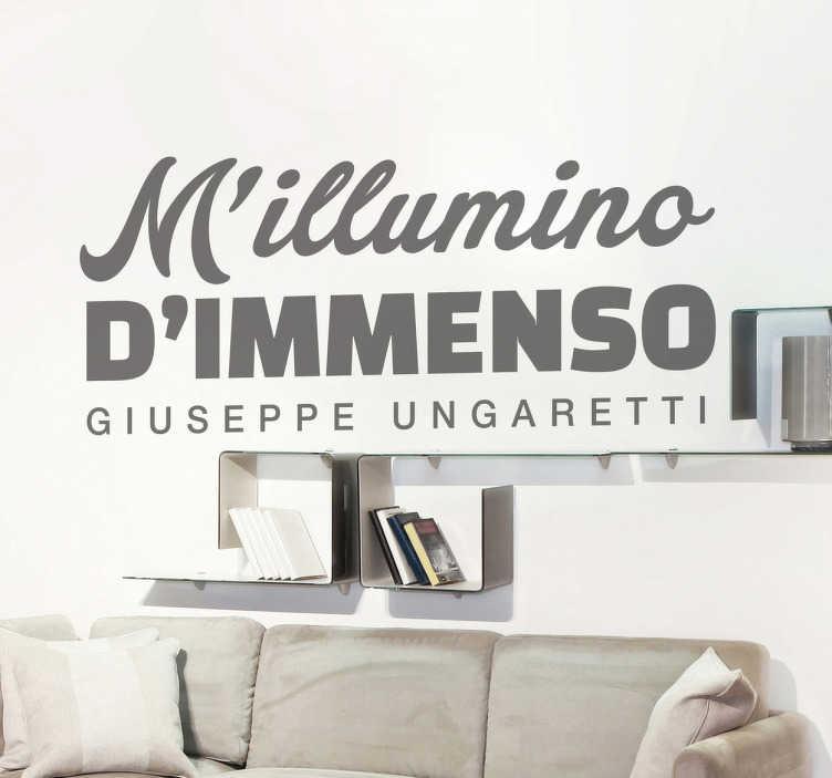 TenStickers. Sticker decorativo Giuseppe Ungaretti. Adesivo murale che raffigura la celebre poesia di Giuseppe Ungaretti. Il poeta fu uno dei più grandi esponenti della corrente dell'ermetismo.