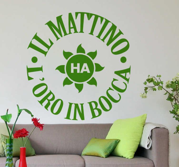 TenStickers. Sticker decorativo il mattino. Adesivo murale che riporta il noto proverbio sulla mattina. La decorazione ideale per iniziare le tue giornate con una marcia in piú.