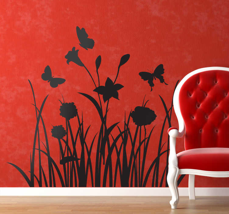 TenStickers. Sticker decorativo prato con farfalle. Adesivo murale che raffigura dell'erba alta e dei fiori al di sopra dei quali volteggiano delle delicate farfalline.