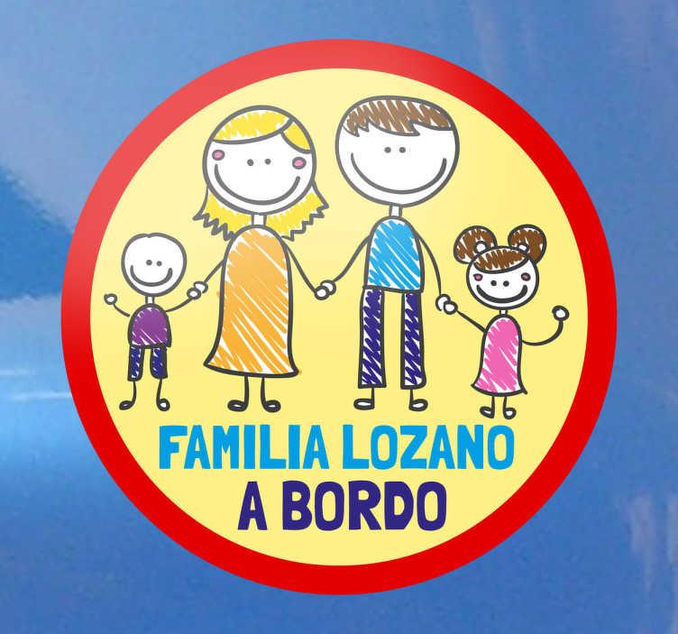 TenStickers. Adesivo Personalizavel Familia a Bordo. Adesivo autocolante personalizável Familia a Bordo, poderá personalizar este adesivo com o apelido da sua familia.