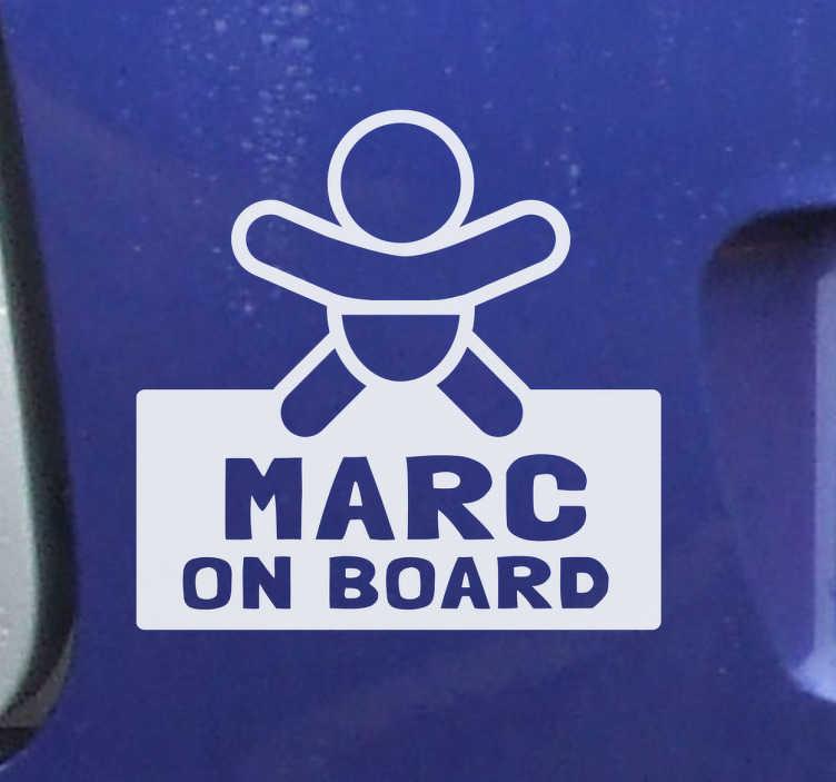 """TenStickers. Aufkleber Name Baby an Board. Zeigen Sie, dass Sie stolze Eltern geworden sind, mit diesem niedlichen Aufkleber """"Baby an Board"""" für Ihr Fahrzeug."""