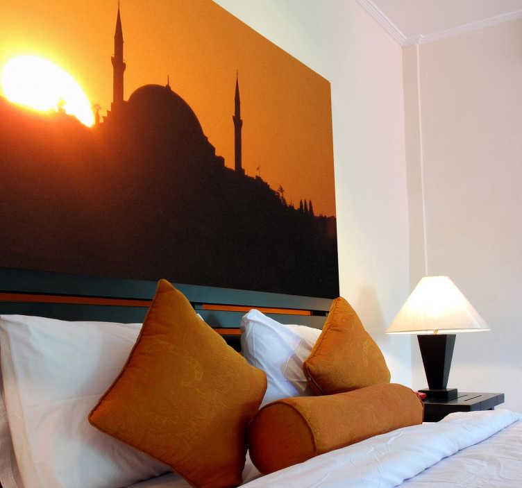 TenStickers. Fototapeta zachód słońca - Istambuł. Fototapeta na ścianę przedstawiająca zachód słońca nad istmabułem. Naklejka na ścianę, która jest jednocześnie fototapetą.