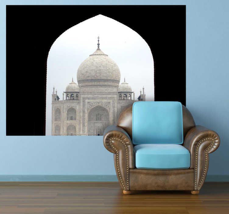 TenStickers. Sticker decorativo foto Taj Mahal. Fotomurale d'autore che ritrae il famoso mausoleo indiano visitato da migliaia di turisti ogni anno. Una decorazione ideale per gli appassionati di cultura indiana.