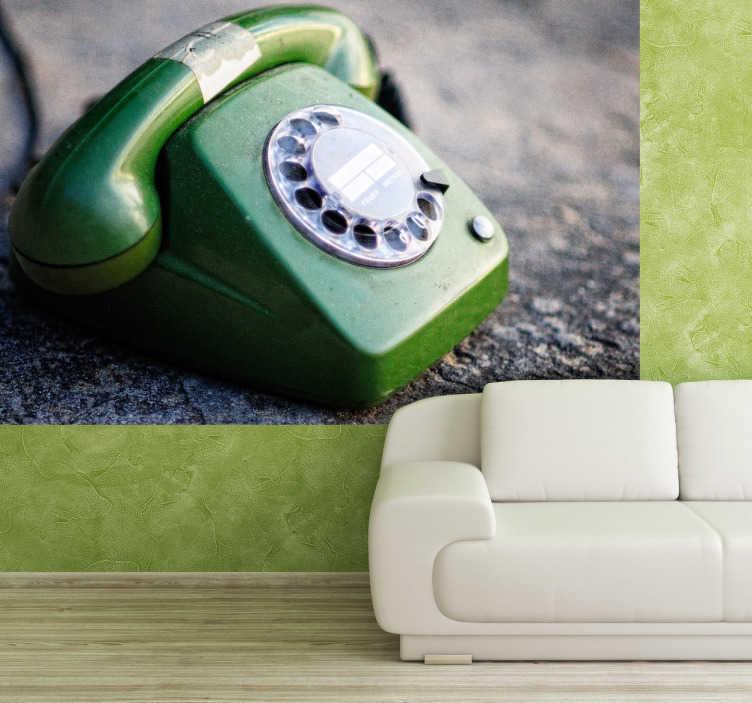TenStickers. Vinil decorativo telefone antigo. Vinil decorativo de um fotomural de um telefone antigo de cor verde. Adesivo de parede paar decoração de interiores.