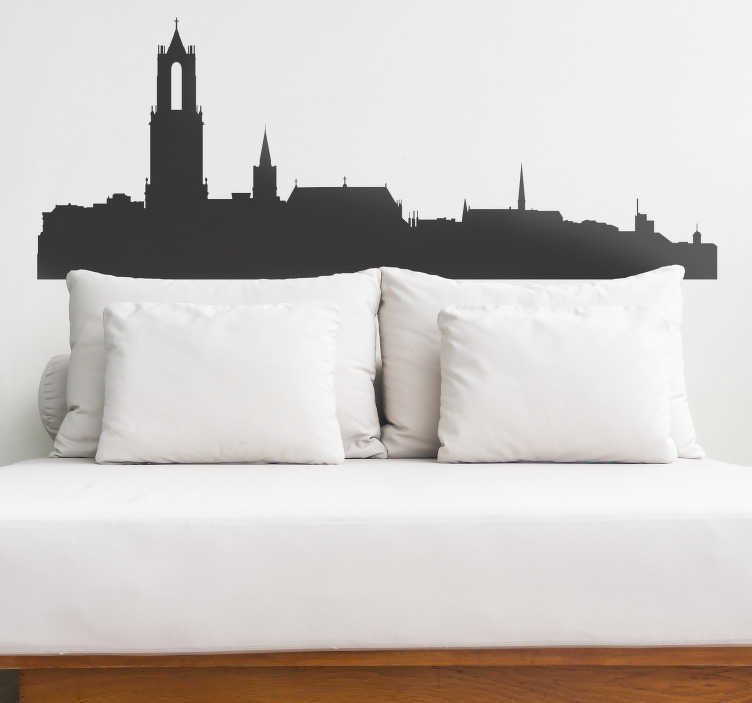 TenStickers. Muurstickers woonkamer Skyline Utrecht silhouet. Kom jij uit Utrecht of ben je helemaal gek op deze prachtige stad in Nederland? Dan bestel snel deze muursticker met de skyline van Utrecht!