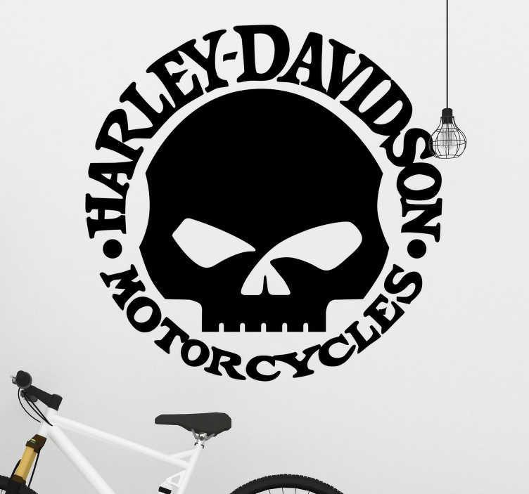 TenStickers. Naklejka Harley Davidson logo z czaszką. Naklejka przedstawiająca czaszkę i nazwę sławnej marki motocyklowej Harley Davidson. Dla wszystkich zwolenników dwóch kół.