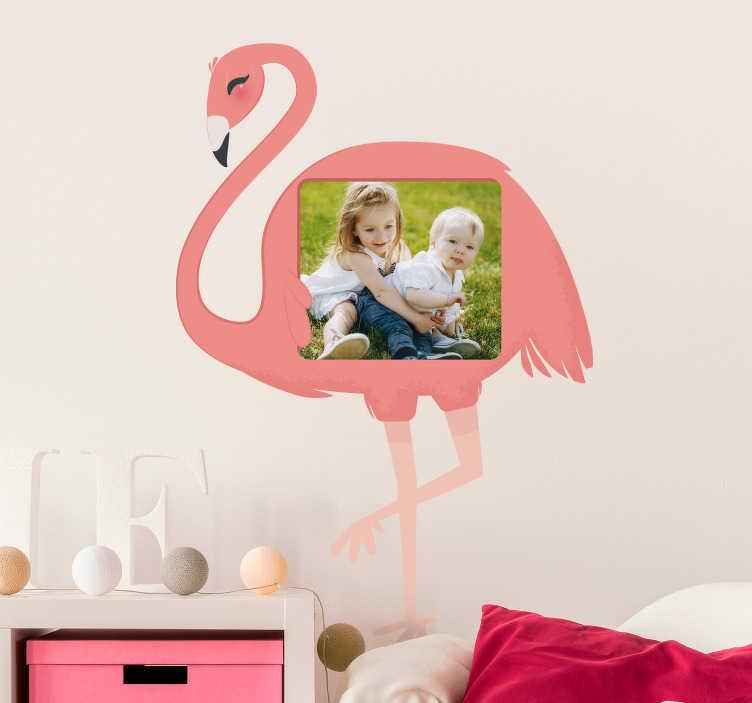Tenstickers. Flamingo-valokuvan muokattavissa oleva tarra. Koristele kotiasi tämän fantastisen muokattavan seinäarkin avulla! Erittäin kestävä materiaali.