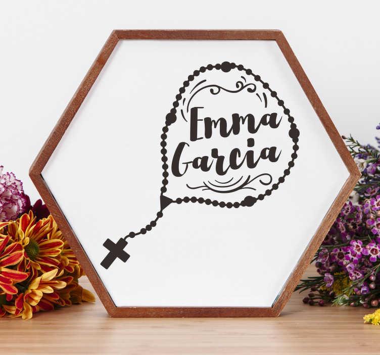 TenVinilo. Vinilo para casa rosario con nombre. Pegatina silueteada para comunión formada por el diseño de un rosario y el nombre que nos indiques. Vinilos Personalizados a medida.