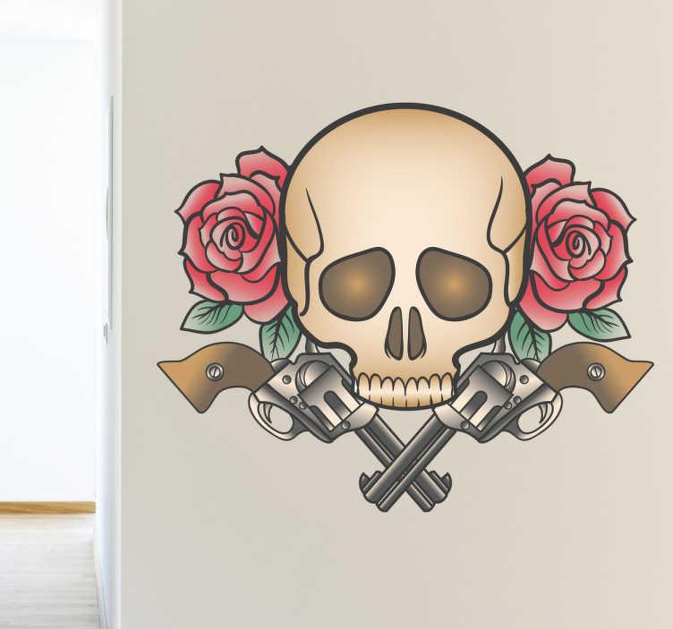 TenStickers. Naklejka pistolet, czaszka i róże. Klasyczny wzór tatuażu stworzony przez Freepik'a tym razem w postaci naklejki ściennej. Czaszka, pod którą widnieją dwa pistolety, otoczona jest różami.