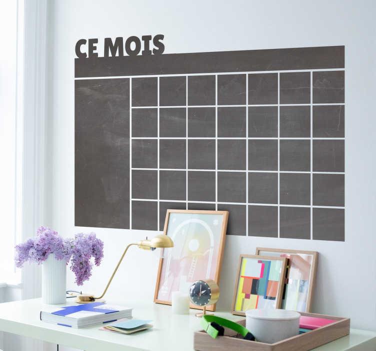 TenStickers. Sticker ardoise ce mois. Stickers ardoise à craie représentant un calendrier mensuel sur lequel vous pourrez y inscrire toutes vos tâches du mois.