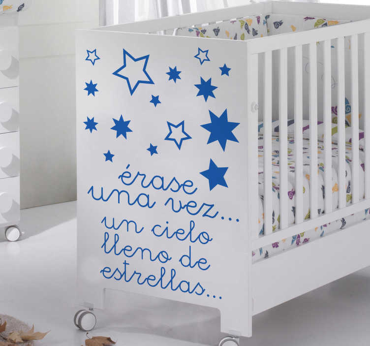 TenVinilo. Adhesivo infantil cielo lleno estrellas. Original diseño en vinilo decorativo para cuarto infantil con un clásico inicio de fábula.
