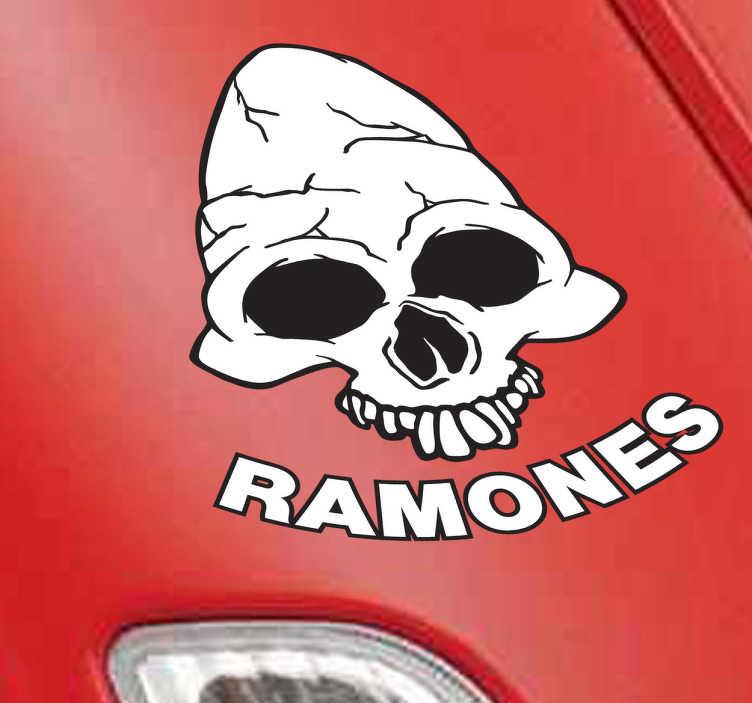 TenVinilo. Vinilo decorativo calavera Ramones. Emblema adhesivo de este reconocido grupo punk norteamericano de una calavera acompañada del nombre del grupo.