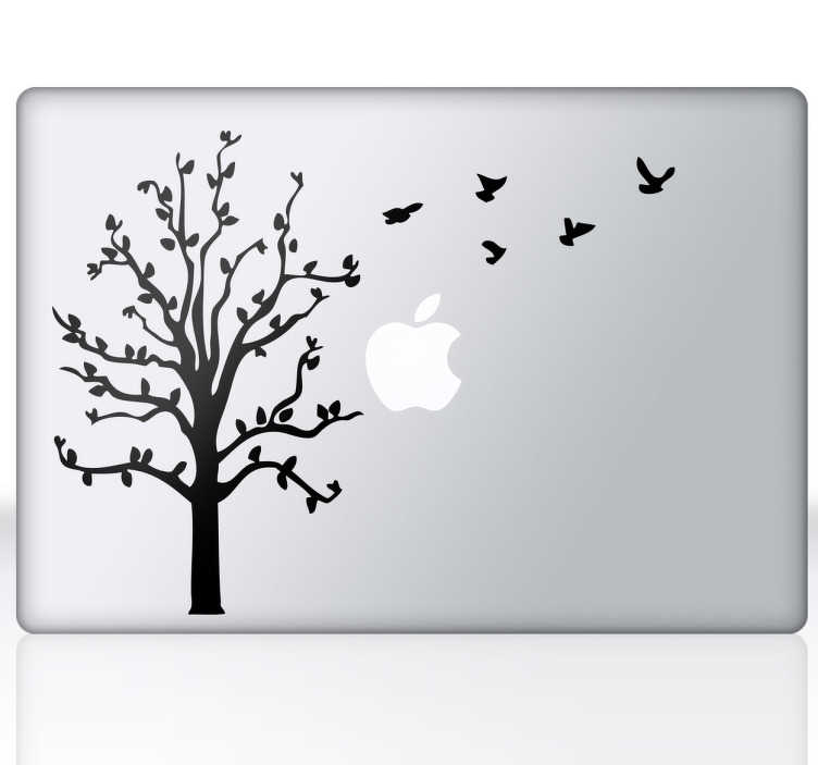 TENSTICKERS. 木と飛ぶ鳥macbookステッカー. 自然に触発されたシルエットのラップトップステッカーで、あなたのmacを飾りつけ、あなたのデバイスにオリジナリティを与えることができます。私たちのマックブックステッカーコレクションからの鮮やかな木のデカールです。