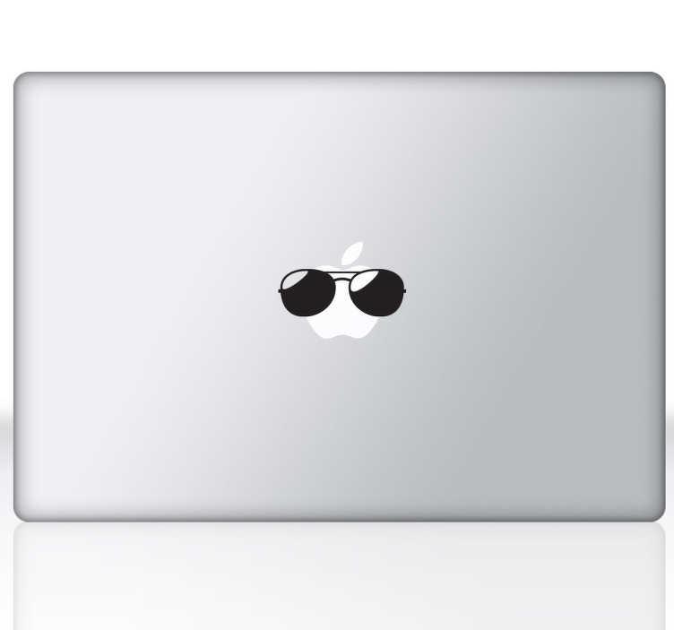 TenStickers. Zonnebril laptop mac Apple sticker. Hartstikke leuke manier om jouw zonnebril laptop decoratie te decoreren! Een leuke zonnebril laptop sticker voor een zomerse sfeer.