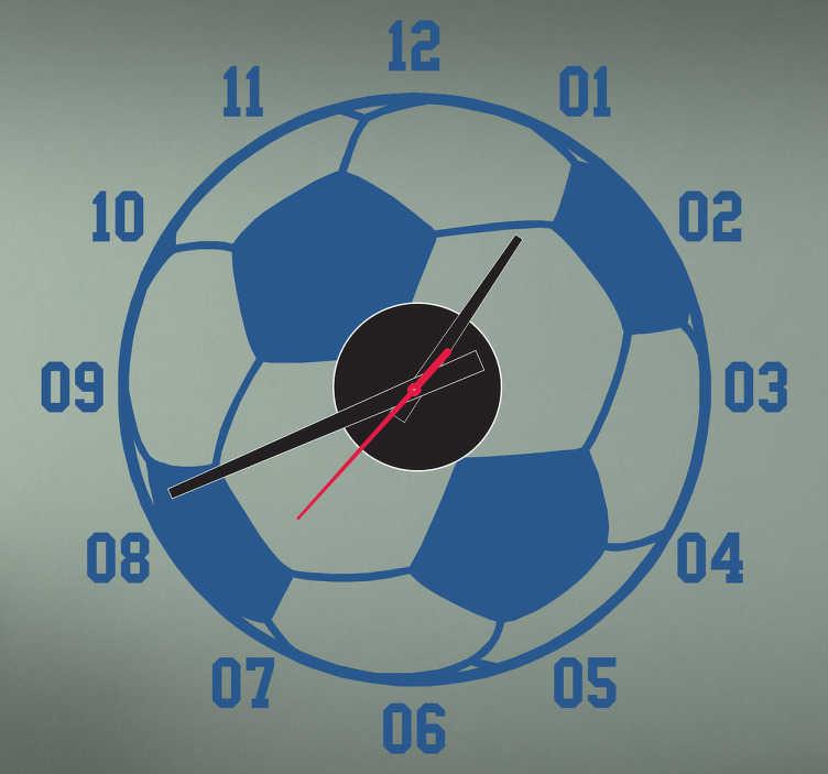 TenStickers. Sticker klok voetbal. Deze sticker omtrent een kloksticker in de vorm van een voetbal, ideaal voor kinderen.