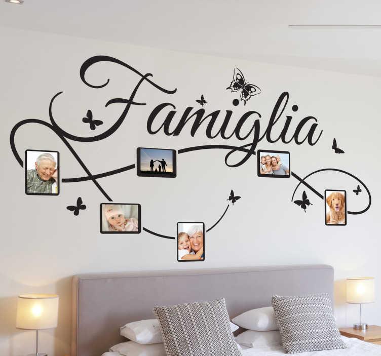 TenStickers. Sticker decorativo foto famiglia IT. Decora le pareti della tua casa con questo adesivo murale familiare dove inserire le tue fotografie preferite.