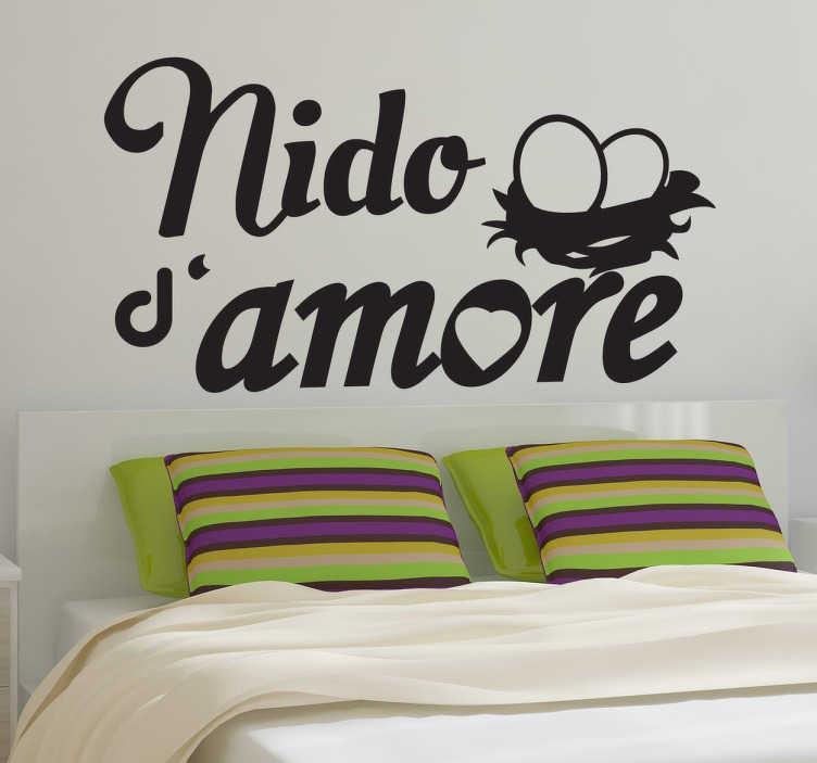 TenStickers. Sticker decorativo nido d'amore. Decora la testiera del tuo letto con questo romantico adesivo e dai un tocco di originalità alla tua camera.
