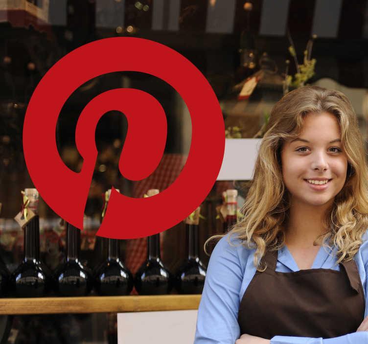 TenStickers. Naklejka Pinterest. Naklejka dekoracyjna z logo Pinterest, zaraz obok facebooka i innych, bardzo popularne narzędzie w mediach społecznościowych.