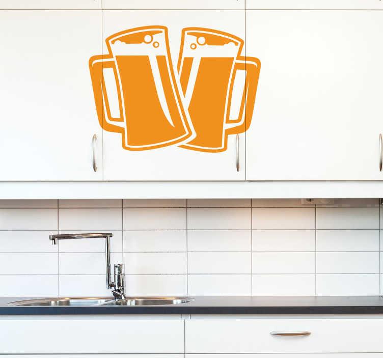 TENSTICKERS. 2パイントのビールデカール. ビールの壁のステッカー - クリーミーな気泡の泡の頭でトッピングされた氷の冷たいビールで満たされた2つのパイントのガラス。キッチン、バー、または人の洞窟を飾るための完璧な飲み物のステッカー。