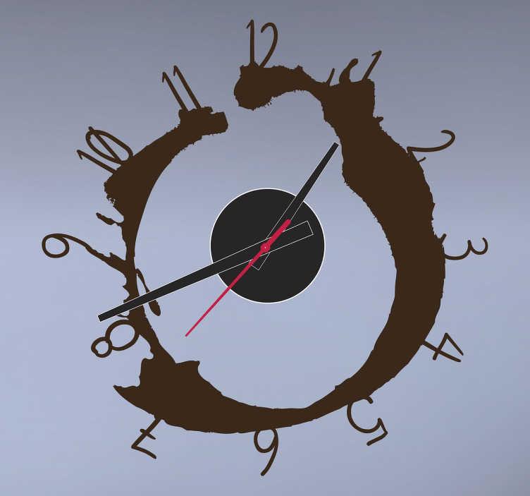 TenStickers. Sticker horloge tâche numéros. Personnalisez votre espace de manière originale avec cette tâche de café qui crée une horloge sur sticker.   Comprend horloge 23 cm de diamètre et mécanisme 8,5 cm de diamètre.  Aiguille heures : 9,3 cm / Aiguille minutes : 13,2 cm / Aiguille secondes : 9 cm