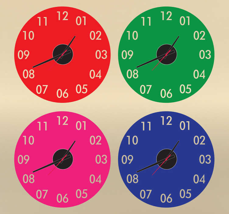 TenStickers. Gekleurde klok stickers. Geef je huis kleur met deze gekleurde klokken! Verschillende kleuren zullen ervoor zorgen dat je huis creatiever word en je nooit de tijd vergeet.
