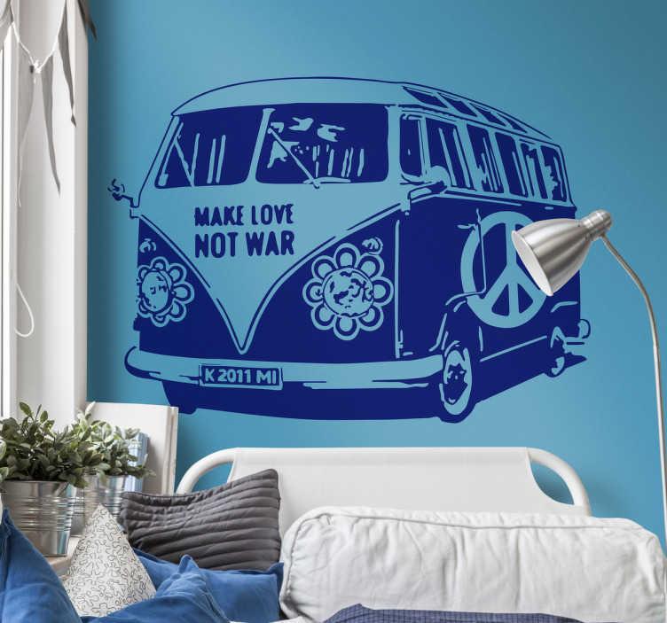 TenStickers. Sticker Volkswagen busje hippie. Deze sticker omtrent het klassieke Volkswagen busje uit de jaren 60, gedecoreerd als hippiewagen. Unieke wanddecoratie!