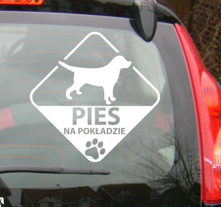 TenStickers. Naklejka pies na pokładzie. Dzięki naszej naklejce zakomunikujesz innym kierowcą, że w samochodzie  znajduje się Twój pupil. Idealna naklejka na samochód!