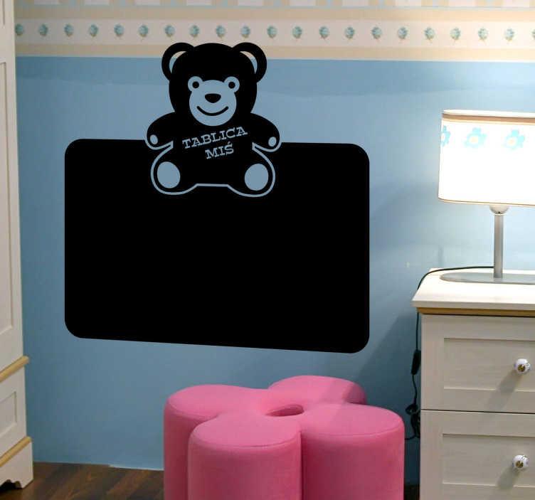 TenStickers. Naklejka tablica miś. Twoje pociechy bez strachu będą mogły rysować na ścianie dzięki naszej wyjątkowej tablicy kredowej z misiem. Stwórz atmosferę zabaw w pokoju Twojego dziecka.