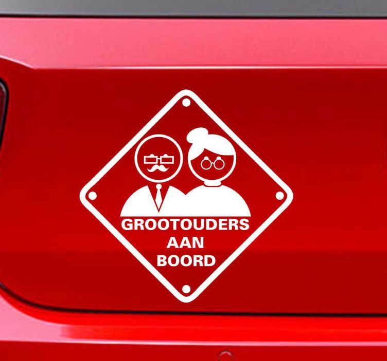 TenStickers. Sticker grootouders aan boord auto. Een leuke en grappie sticker voor op de wagen! Geef met deze leuke sticker aan dat je grootouders zich in de wagen bevinden.