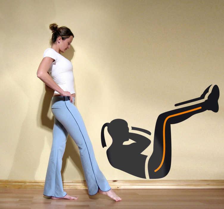 TenStickers. Sticker buikspieren. Muursticker van een vrouw dat buikspieroefeningen doet. Motiveer jezelf iedere dag om te bewegen met deze leuke wanddecoratie voor bij jouw thuis.