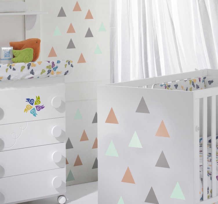 TENSTICKERS. カラフルな三角形の装飾ステッカー. さまざまな色で多くの三角形を示すこの壁のステッカーのセットであなたの家をパーソナライズします。あなたの壁にリラックスした、幾分抽象的なタッチを与えて、あなたの家を絶対にユニークなものにしてください!