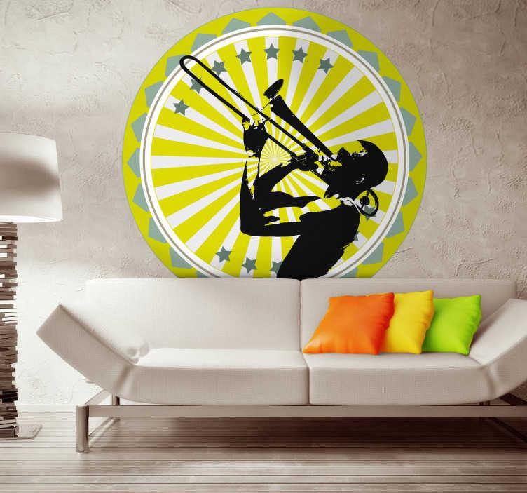 TenStickers. Naklejka dekoracyjna puzon. Naklejka dekoracyjna w formie jasnożółtego koła, która przedstawia muzyka grającego energicznie na puzonie. Obrazek jest dostępny w różnych wymiarach.