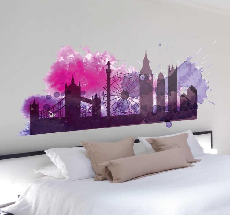 TenStickers. 多彩的伦敦剪影墙贴纸. 多彩的剪影天际线墙贴,灵感来自伦敦金融城。我们的紫色墙贴系列设计精美。通过这幅壁画捕捉英格兰首都的标志性建筑和建筑,为您的家庭或企业增添一些鲜艳的色彩。