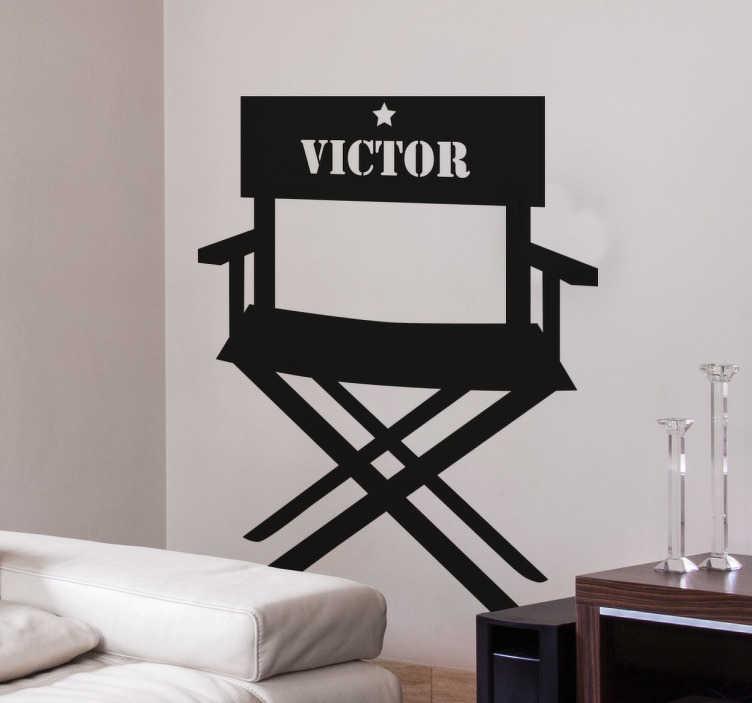 TenStickers. Sticker filmregisseur stoel. Een leuke muurstickervan de stoel van een filmmaker! Leuke wanddecoratie voor de filmliefhebbers onder ons.