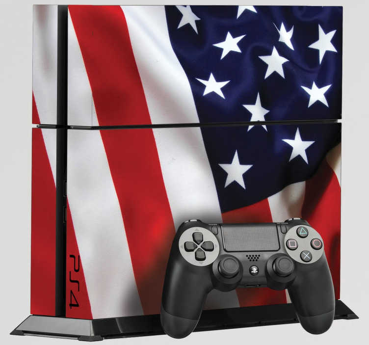 TenStickers. PS4 sticker USA. Personliggør din PlayStation 4 konsoller med denne sticker med dette USA design. Dekorere og beskytte din PS4 mod ridser og støv. Let at påføre.