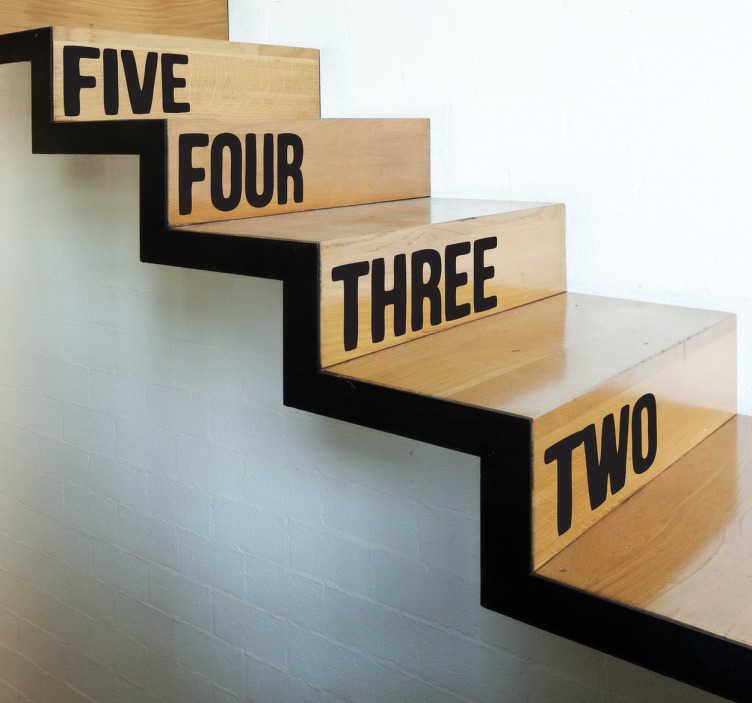 TenStickers. Naklejki na schody liczby po angielsku. Naklejka dekoracyjna na schody z cyframi w języku angielskim  od 1 do 20. Naucz najmłodszych podstawowego słownictwa w języku angielskim.