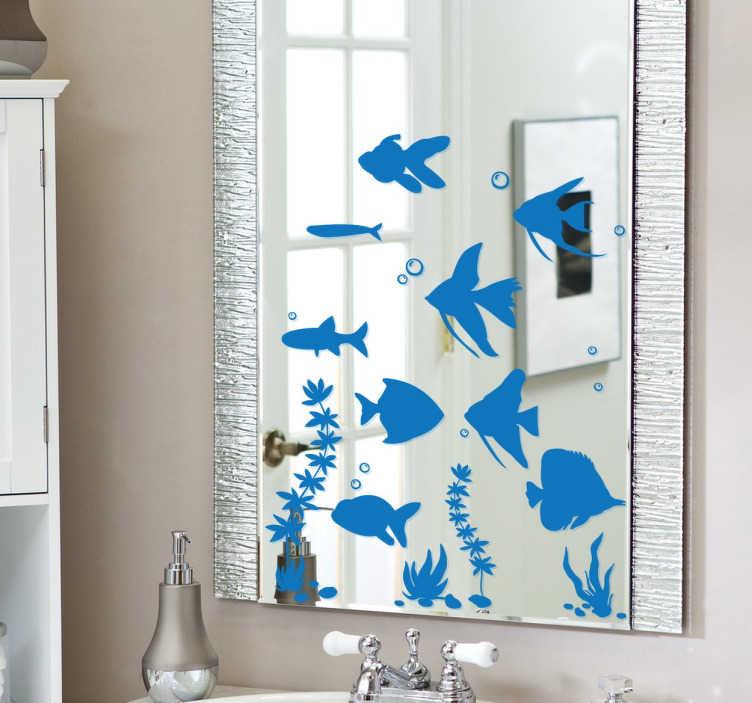 TenVinilo. Vinilo para espejos acuario peces. Colección de pegatinas para decorar espejos con distintos tipos de peces con otros elementos característicos de una pecera.