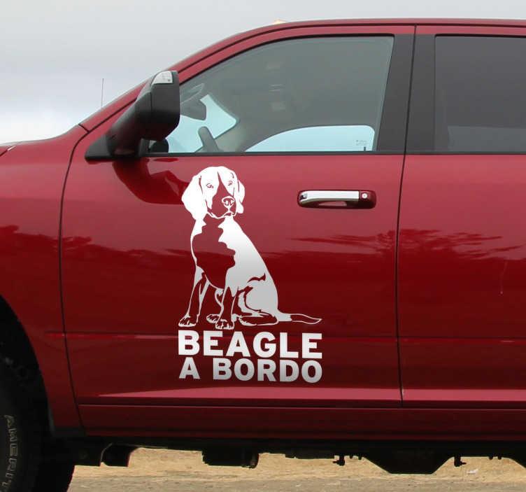 TenVinilo. Vinilo decorativo Beagle a bordo. Para los entusiastas de los animales y más concretamente para aquellos que tengan un Beagle que siempre llevan a todas partes, os recomendamos este inédito y exclusivo vinilo decorativo.