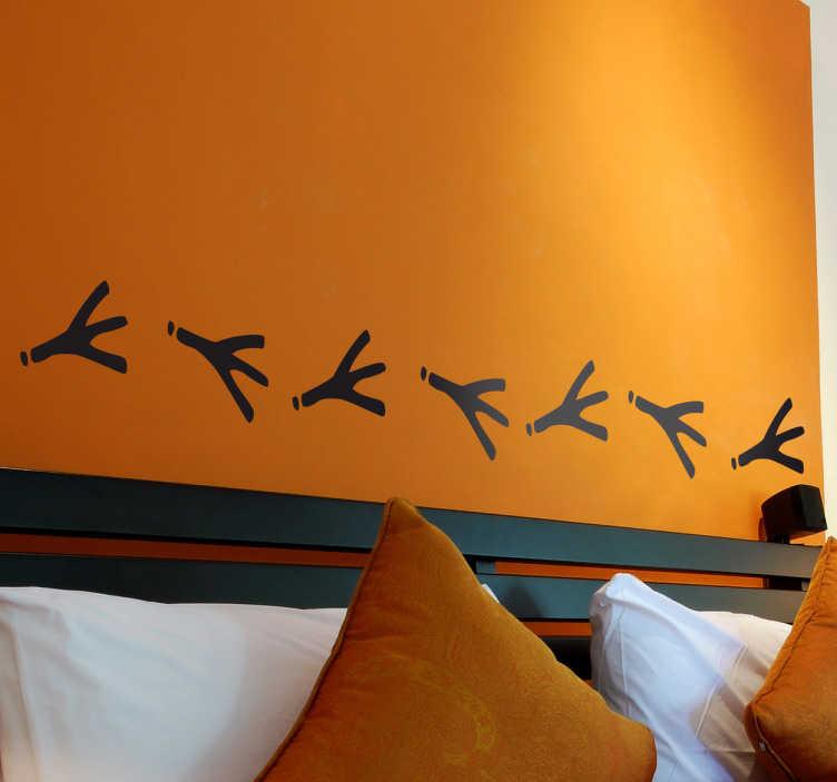 TenStickers. Naklejka bordiura ślady ptaka. Zabawna naklejka dekoracyjna przedstawiająca ślady nóżek ptaka. Obrazek dostępny w wielu kolorach i wymiarach.