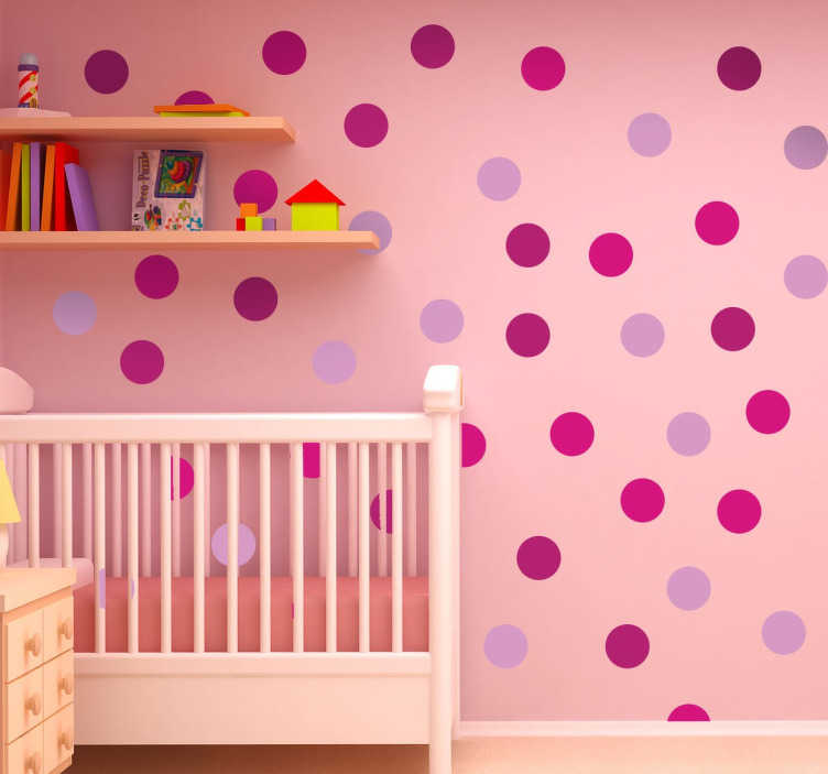 TenStickers. Roze cirkels stippen stickers. Decoreer de muren met deze speelvolle en leuke stippen sticker! Je ziet allemaal verschillende stippen in verschillende tinten roze!