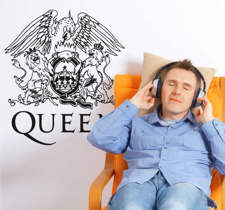TenStickers. Wandtattoo Logo Queen Platinium. Wandtattoo mit dem Logo von Queen. Sind Sie ein Fan deberühmten britischen Rockband? Dann ist dieser Aufkleber ein Muss für Sie!