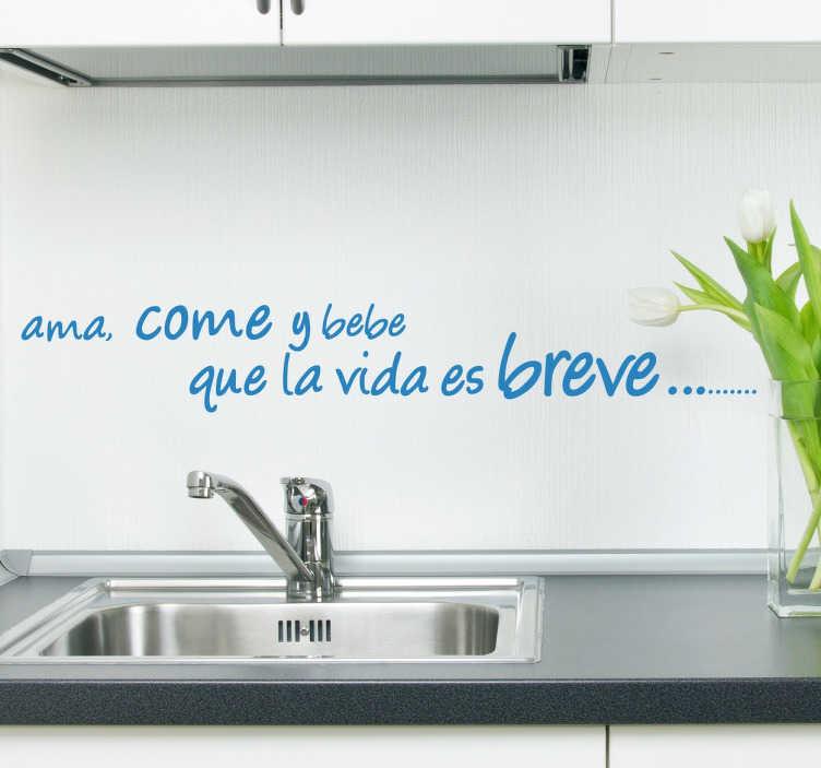 TenVinilo. Vinilo ama come y bebe. Fantástico y divertido pareado en vinilo de texto ideal para la decoración de cocinas.